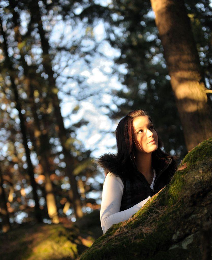 Portraitfoto im Wald